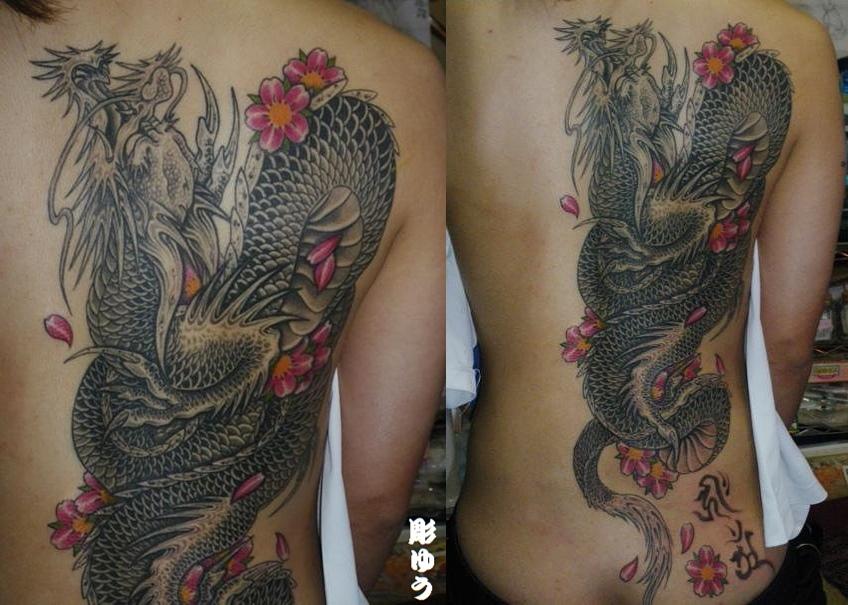 龍・桜・背中・女性