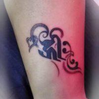 梵字・トライバル・女性・タトゥー