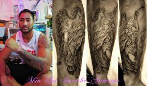 プロラグビー選手・ジェイミーヘンリーさん・天使・洋彫り・ブラック&グレー・タトゥー・tattoo