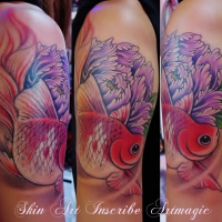 金魚・牡丹・タトゥー・女性